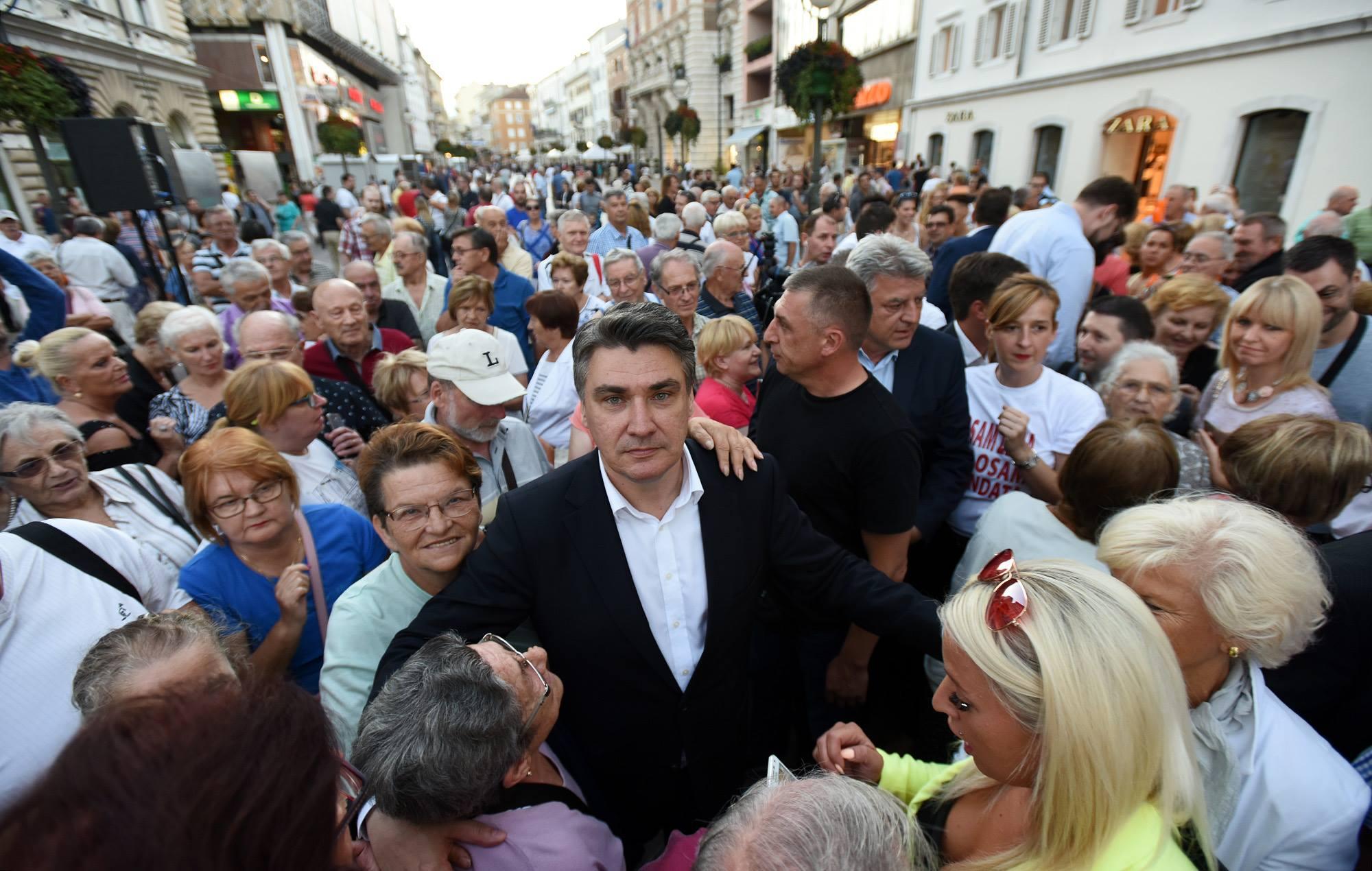 NAPAD NA MILANOVIĆA: Muškarac provocirao, vrijeđao i fizički nasrnuo na šefa SDP-a