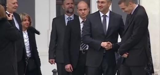 Premijer Plenković sa članovima Vlade za održavanje sjednice u Vukovaru