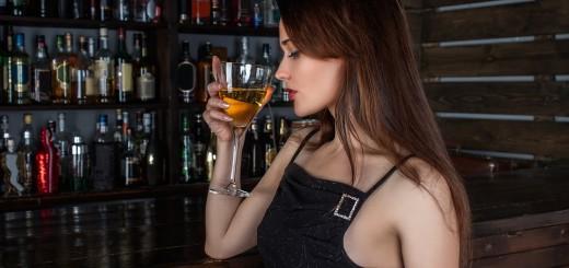 djevojka, vino