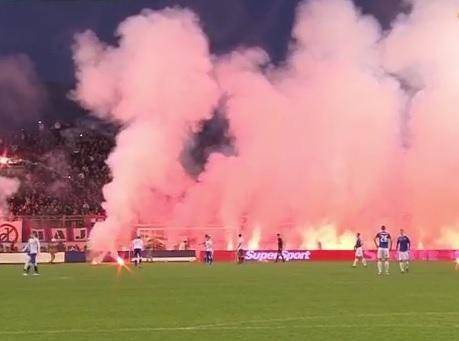 I ovo je scena s jedne od utakmica Hajduka i Dinama