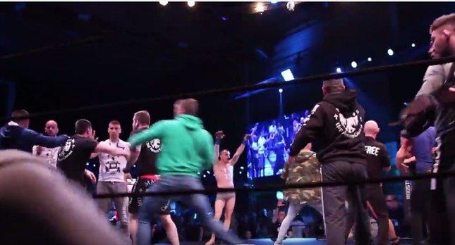 kaos,tučnjava u ringu