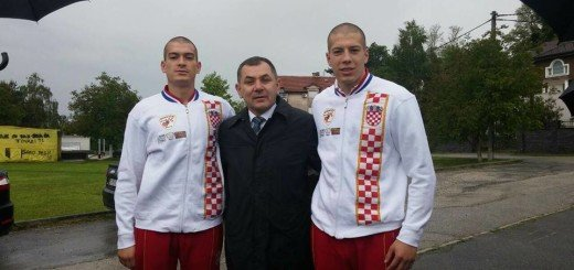 Braća Marko i Luka Pratljačić, s Ivicom Lovrićem, pročelnikom gradskog ureda za obrazovanje, kulturu i sport (Foto: Facebook)
