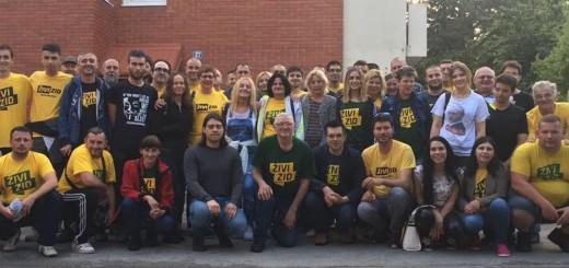 Članovi i aktivisti Živog zida na jednoj od deložacija (Foto: Facebook)