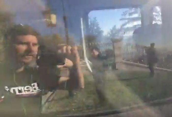 Zastupnik Ivan pernar u trenucima snimanja ispred Kullmerovog dvorca (Foto: Facebook)