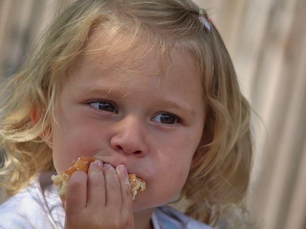 djevojčica, glad