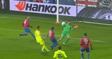Ovako je zabio za 1:0 Olmo u Plzenu.