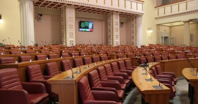 POLITIKA: Lazar Grujić – Izborni zakon, relativna ili dvotrećinska većina – pitanje je sad