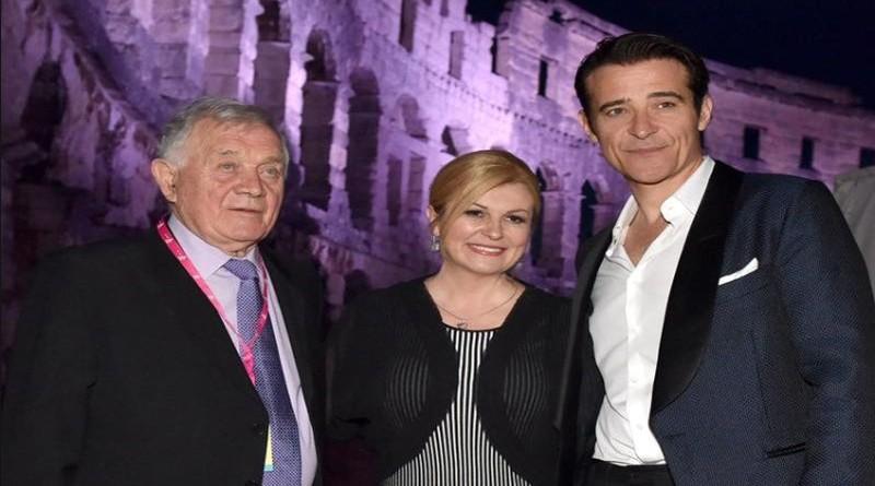 Predsjednica u društvu Antuna Vrdoljaka i Gorana Višnjića (Foto: Facebook)