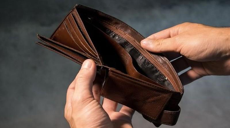 novčanik-novac-plaća-siromaštvo