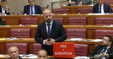 MARAS S NOVIM NATPISOM: Vi ste šampion korupcije – poručio je Plenkoviću