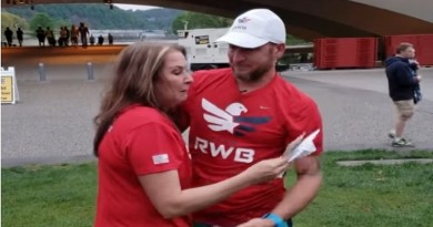 VIDEO: SUSRET NAKON 35 GODINA – Dala je sinčića na usvajanje, a onda ju je potražio