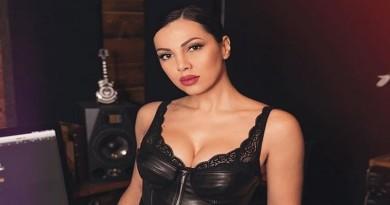 FOTO: OČARALA FANOVE – Atraktivna pjevačica Žanamari u čipkastom donjem rublju