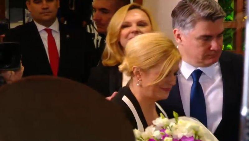 Predsjednicu Kolindu Grabar Kitarović budući je predsjednik otpratio s Pantovčaka uz cvijeće