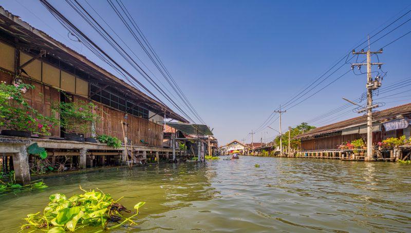 Bangkok put za trznicu na vodi-
