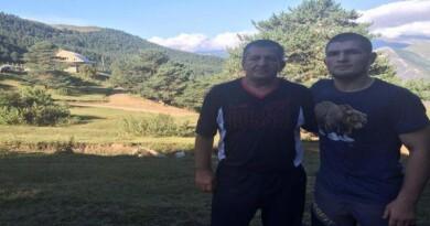 KOBNA KORONA: Otac Khabiba Nurmagomedova preminuo od koronavirusa