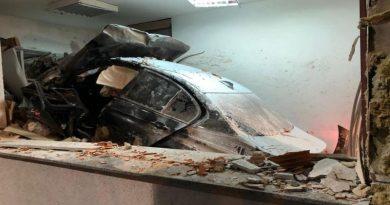 NESREĆA KOD VELIKE GORICE: BMW-om uletio u naplatnu kućicu – poginuo radnik HAC-a